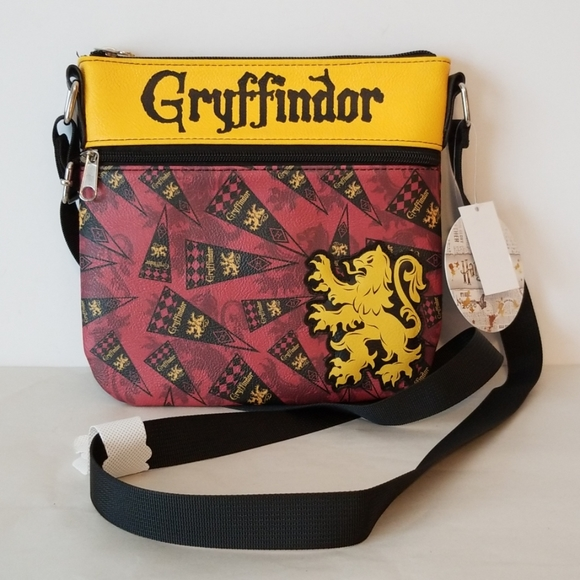 Loungefly Handbags - Loungefly Harry Potter Gryffindor Crossbody NWT